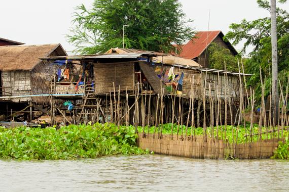 Žvejų kaimelis esantis šalia Makongo upės, Kambodžoje