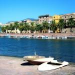Sardinija: pirmas kartas. Smaragdo spalvos jūra, uolingi kalnai, žvejų laiveliai ir lankytinos vietos Sardinijoje