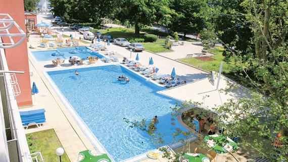 hotel-gladiola-star-goldstrand-pool