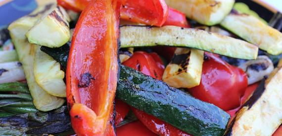 Kaip greitai, paprastai ir skaniai pasigaminti maisto gamtoje. Galima ir vegetariškai